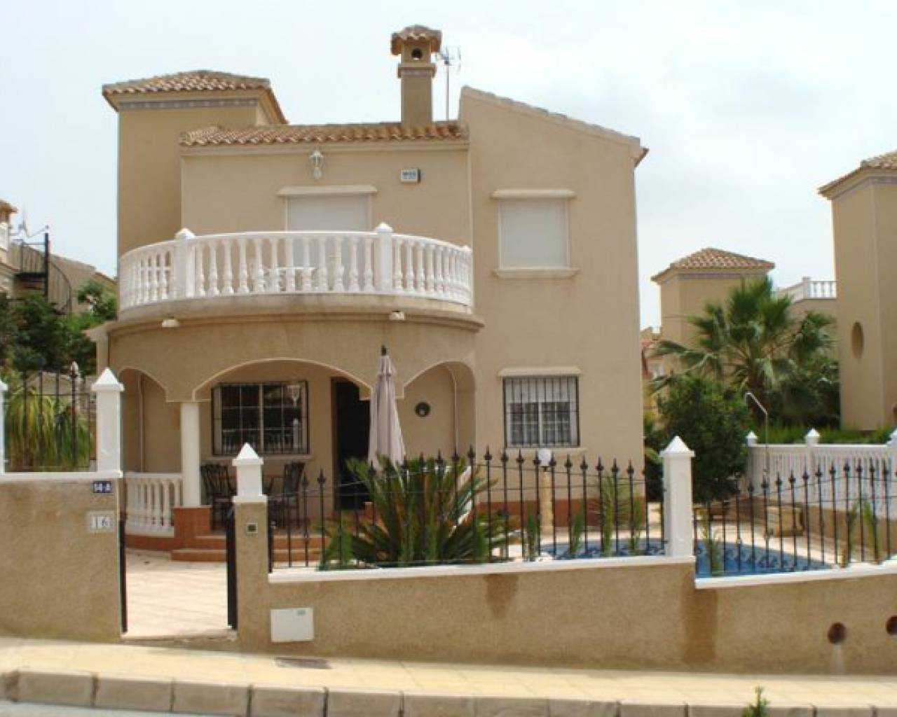Villa - Location long terme - Orihuela Costa - El Galán