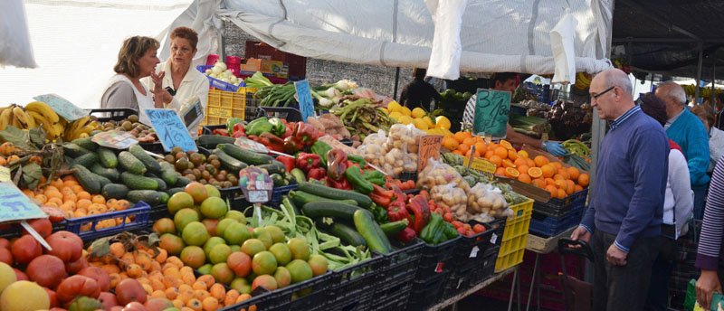 The weekly market, another way to enjoy the sun of the Costa Blanca South
